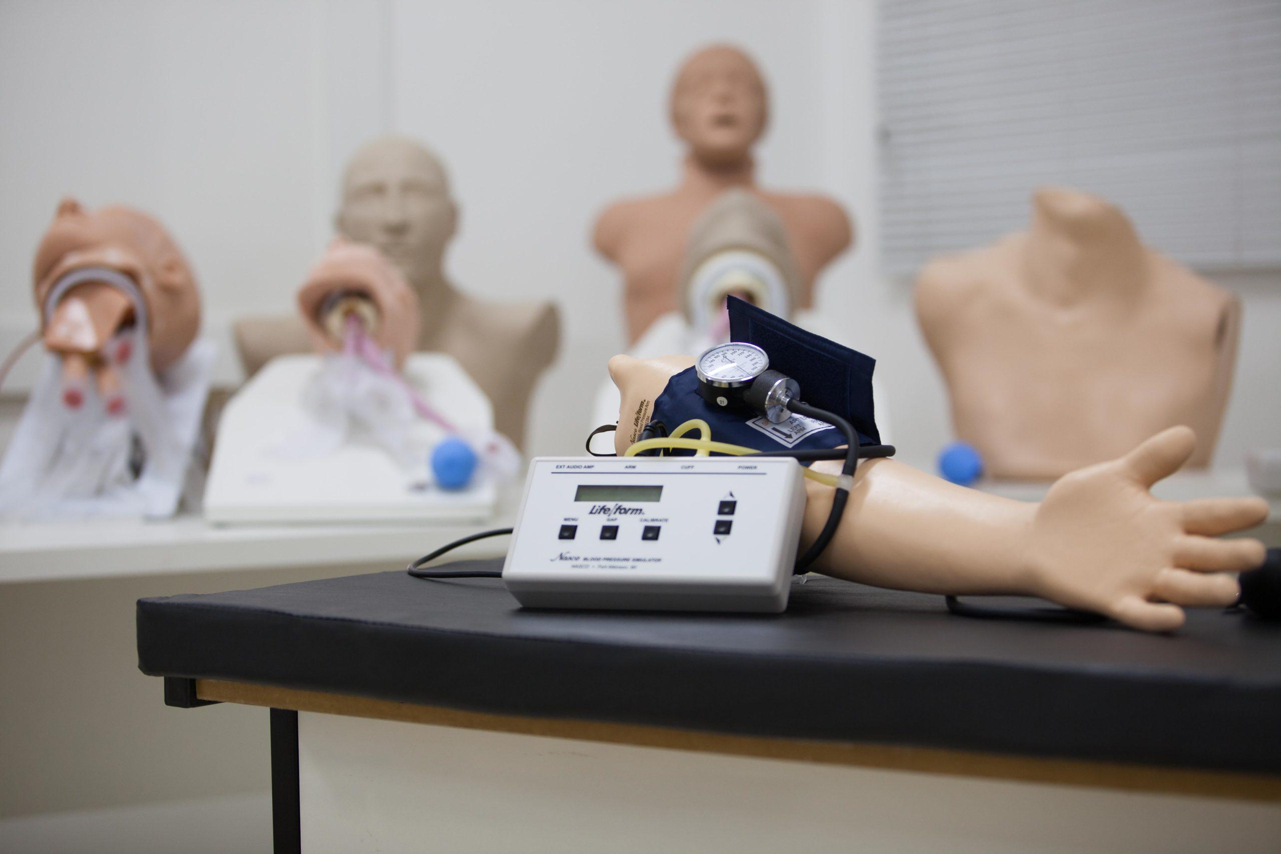 laboratorio-enfermagem-primeiros-socorros